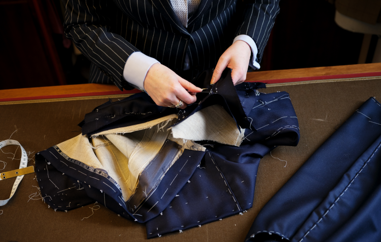 Tips for sewing women suits